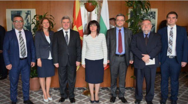 Иванов оствари средба со претседателот на бугарското Собрание, Карајанчева