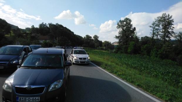 Протест против високите цени на горивата во БиХ и Црна Гора