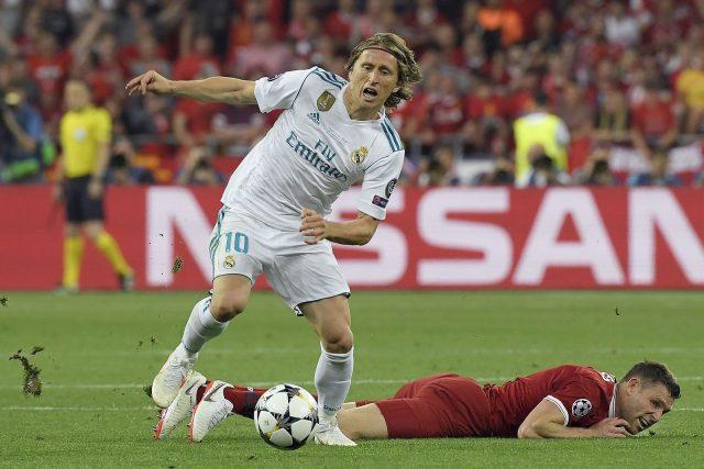 Медиумите тврдат дека Модриќ бара да си замине од Реал