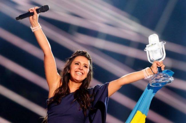Скандал на Евровизија: Победничката песна изведена во мај минатата година