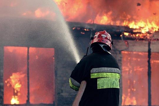 Изгоре куќа во Гази Баба