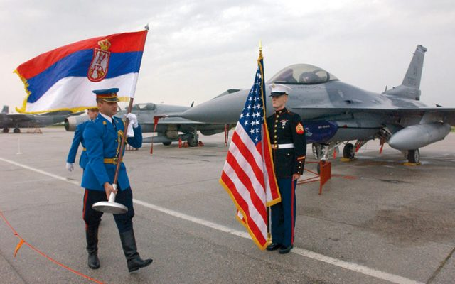"""Нема простор за """"пријателска"""" воена конкуренција во Србија"""