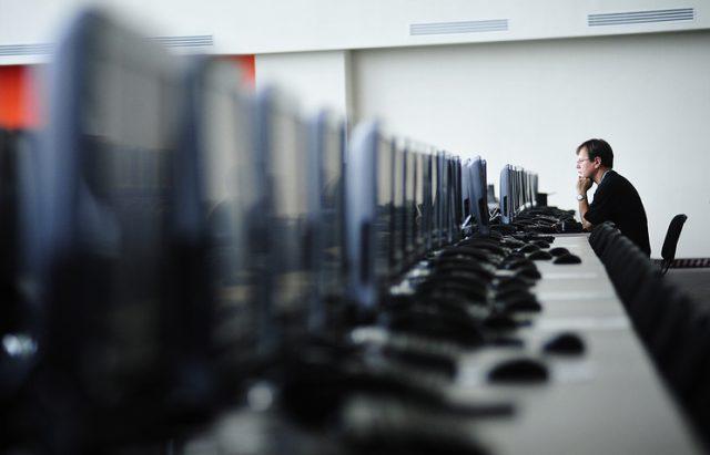 Истражување: 30 влади манипулирале со информации на интернет во 2017-та