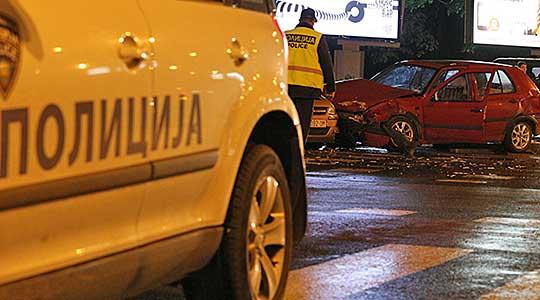 Едно потешко и шест полесно повредени лица во десет сообраќајни несреќи во Скопје