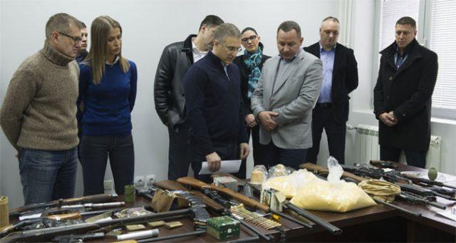 Во Србија уапсени 139 лица за поседување дроги и оружје