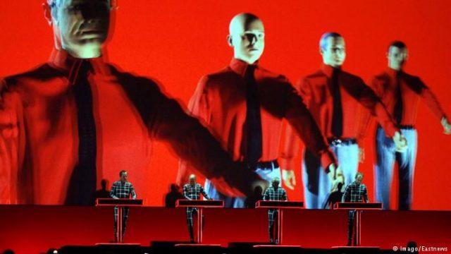 Речиси 50 години по основањето Kraftwerk го освоија првиот Греми