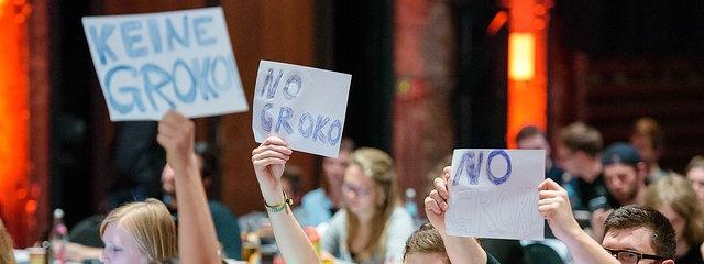 Социјалдемократите во источна Германија гласаа против големата коалиција