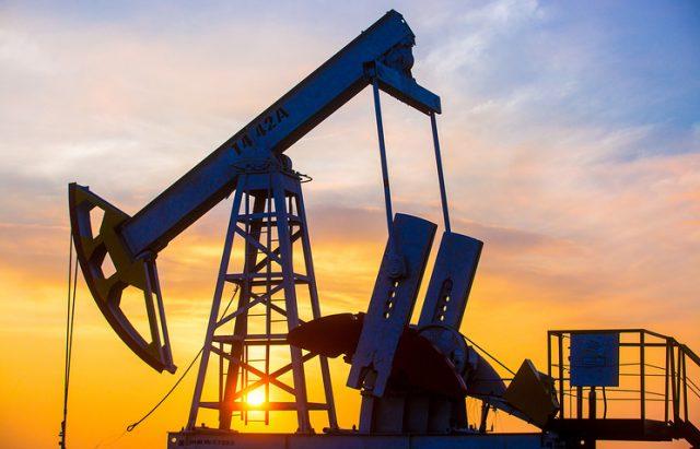Цените на нафтата стабилни над 71 долар, геополитичките тензии противтежа на производството во САД
