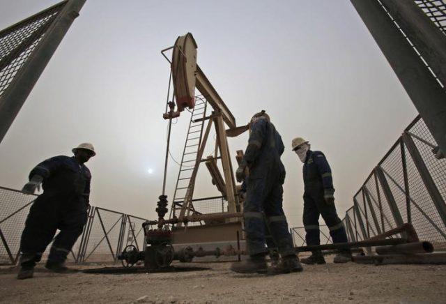 Сигналите за зголемана побарувачка ја кренаа цената на нафтата над 69 долари