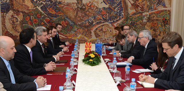 Иванов на средбата со Јункер: Европската перспектива е највисока стратешка цел