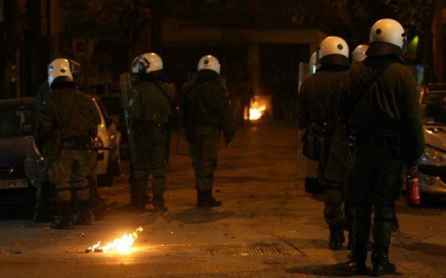 Пет повредени во напад антифашистички клуб во Грција