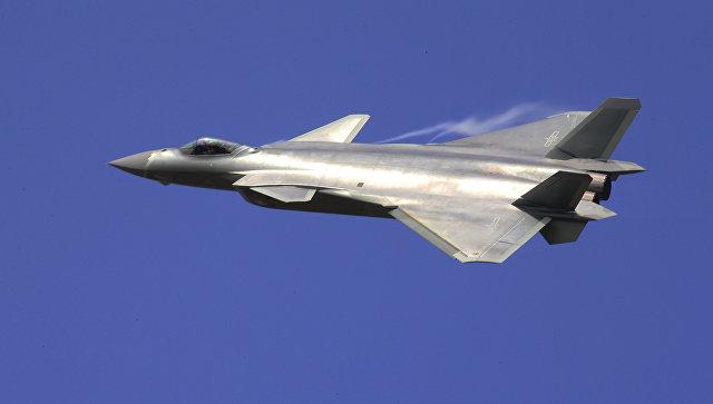 """(ВИДЕО) Кина во служба го воведе """"невидливиот"""" авион Ј-20"""