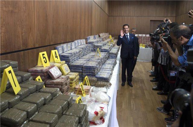 Во Мароко запленети над половина тон кокаин