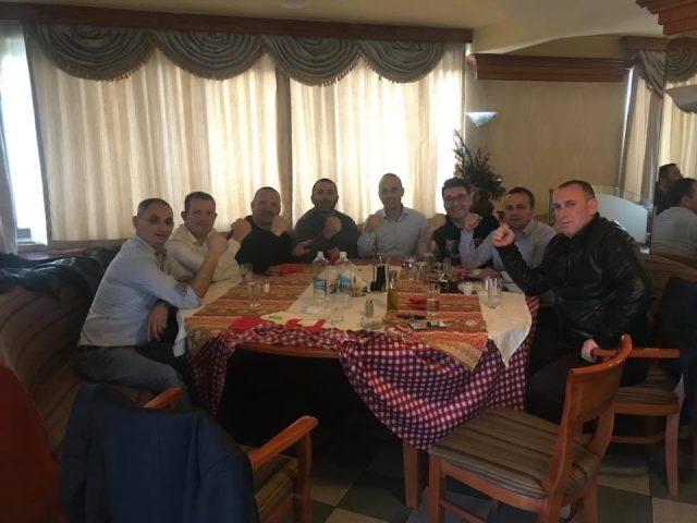 Фатмир Дехари со другарите од 112-та бригада го слави усвојувањето на Законот за јазици
