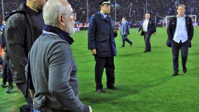 Ципрас го прекина фудбалското првенство на Грција