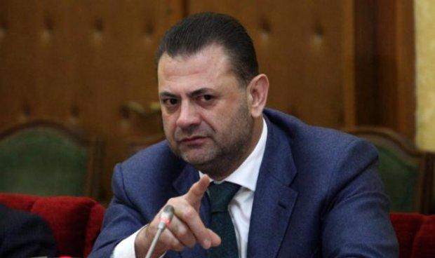 Албански пратеник доби забрана за влез во САД