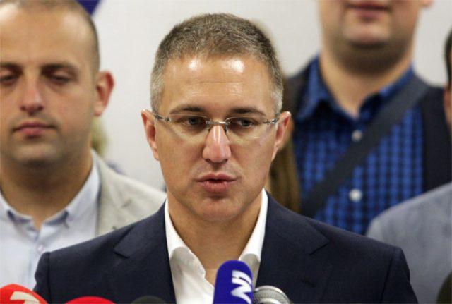 """Стефановиќ предупредува на """"многу сериозна"""" безбедносна ситуација на Косово"""
