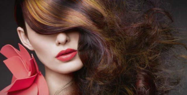Пет едноставни чекори за подолготрајна боја на косата