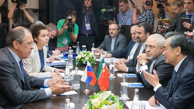 Кина ќе работи на зачувувње на нуклеарниот договор со Иран, Зариф од иста причина во Москва