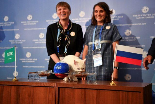 Ахил прогнозира победа на Русија на отворање на Светското првенство