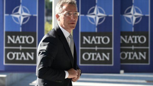 Столтенберг: НАТО веќе има одлучено дека Македонија ќе добие покана за членство