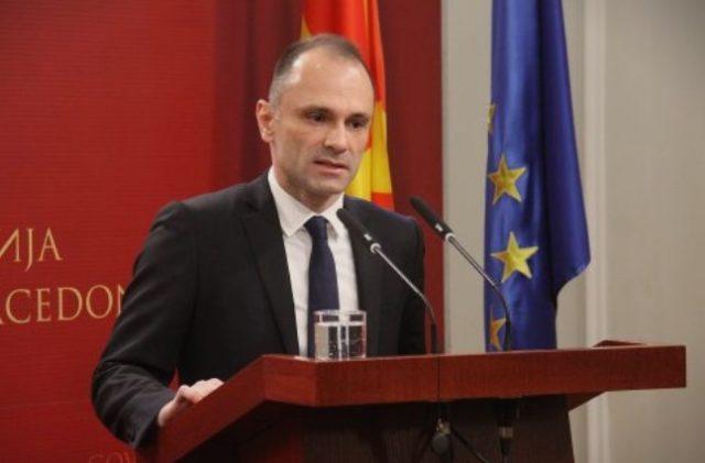 Ќе се фрлаат апарати за да Филипче додели 30 милиони евра на грчко – албанска компанија?