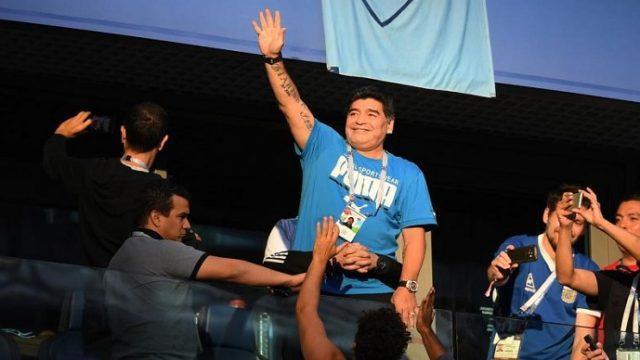 Марадона се понуди за селектор на Аргентина за без пари