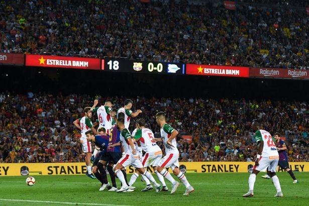 Барселона убедлива на стартот против Алавес