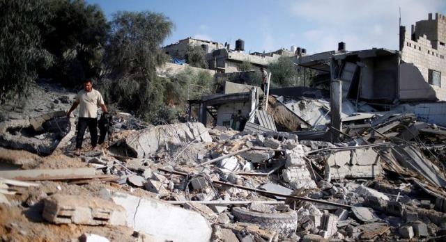 Хамас истрелал десетици ракети, жесток одговор на Израел