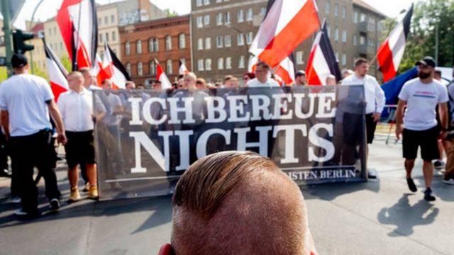 Неонацистите во Берлин ја одбележаа годишнината од смртта на Рудолф Хес