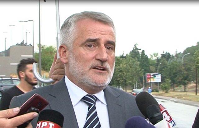 Мендух Тачи излетал со автомобил на враќање од Тирана