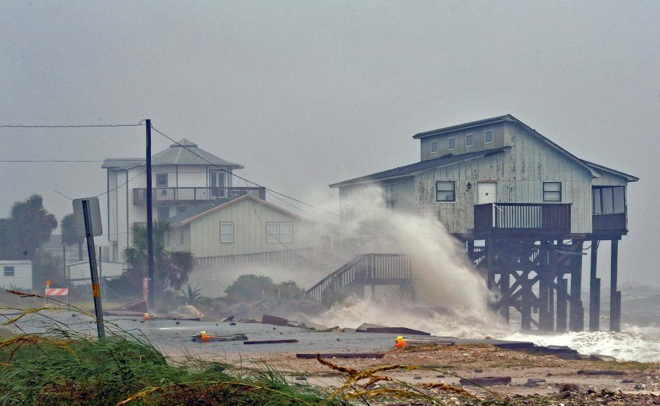 """ВИДЕО Ураганот """"Мајкл"""" ја опустоши Флорида"""
