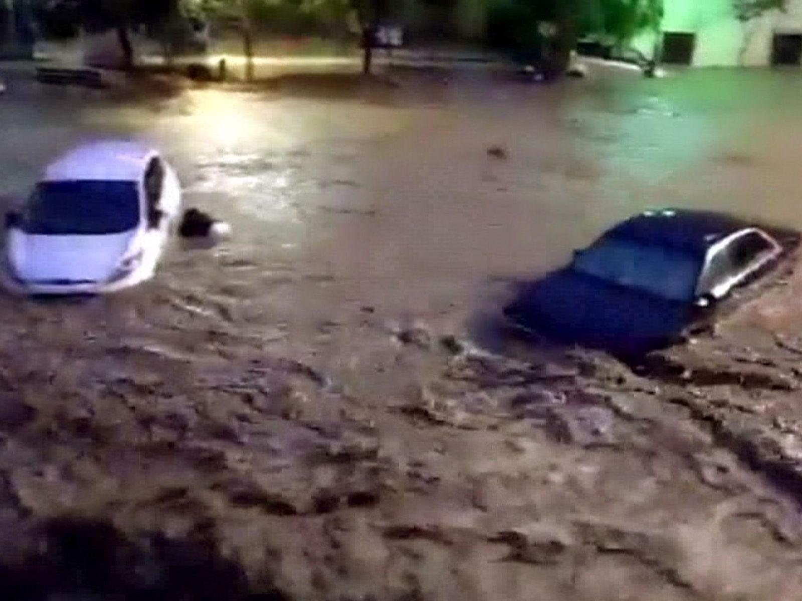 Десет мртви во поплавите на Mајорка, исчезна дете