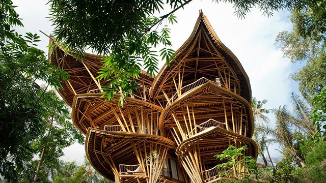 Луксузна куќа изградена од бамбус