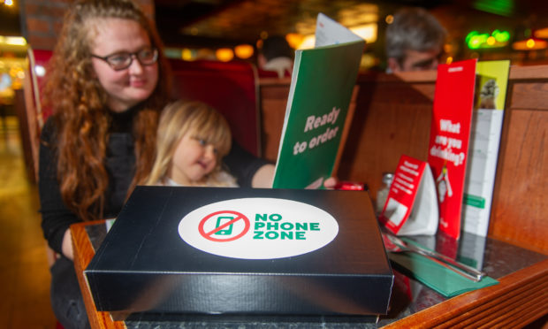 Во овој ресторан децата можат да вечераат бесплатно, но нивните родители треба да исполнат само едно нешто