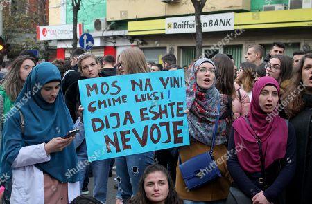 Протести во Албанија – студентите бараат намалување на трошоците за високото образование